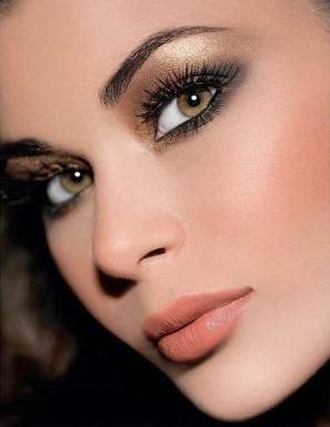 Amazing-Christmas-Makeup-Ideas-15